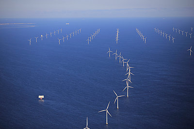 Wind farm Rødsand - p1016m987713 by Jochen Knobloch