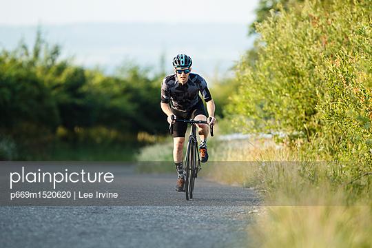 p669m1520620 von Lee Irvine