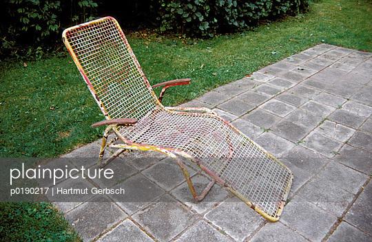 Rostiger Liegestuhl - p0190217 von Hartmut Gerbsch