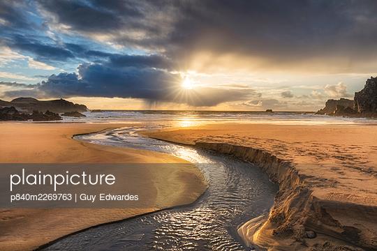 Mhangarstaidh Beach, Isle of Lewis, Outer Hebrides, Scotland, UK, March. - p840m2269763 by Guy Edwardes