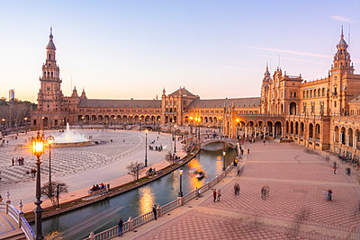 View over Plaza de Espana at twilight - p1332m2203275 by Tamboly
