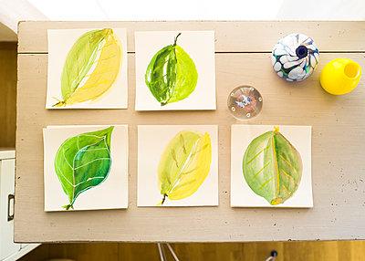 Aquarellmalerei Blätter - p1510m2028786 von Ingrid Amenda