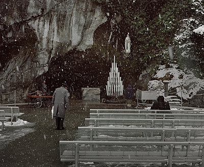The sanctuary of Lourdes under the snowflakes (One of the most famous places of Christianity, France) - p1028m1112752 by Jean Marmeisse