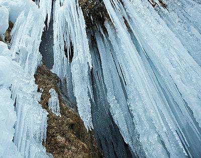 Eiszapfen an den Schleierfällen - p7980030 von Florian Loebermann