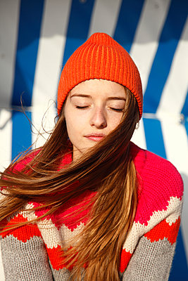 Sunbathing - p981m952251 by Franke + Mans