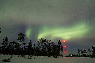 Wind farm with Northern lights - p1079m1042436 by Ulrich Mertens