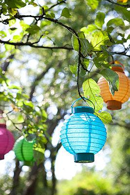 Sommerliche Gartenparty - p454m739717 von Lubitz + Dorner
