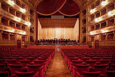 Teatro Massimo in Palermo - p382m2186084 by Anna Matzen