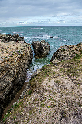 a view from the cliff - p1072m957271 by Francoise Hillemand