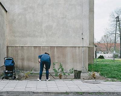 Babysitten und Gartenarbeit, Bydgoszcz–Toruń - p1085m987289 von David Carreno Hansen