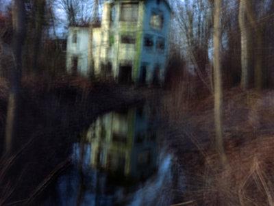 Haus im Moor - p989m900797 von Gine Seitz