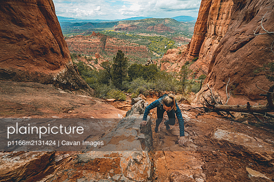 Running Cathedral Rock Sedona - p1166m2131424 by Cavan Images