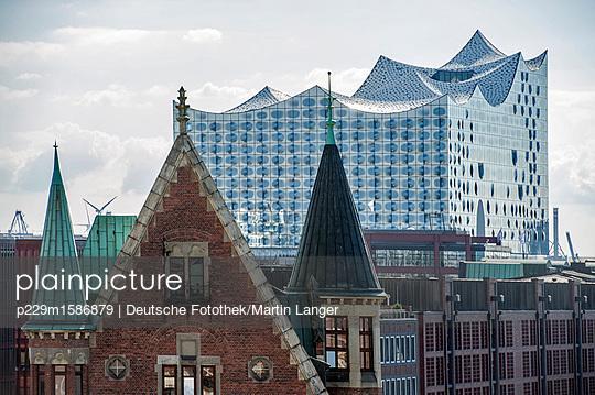Elbphilharmonie - p229m1586879 von Martin Langer