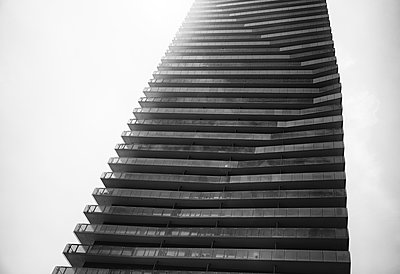 Modern Living - p1335m1172325 by Daniel Cullen