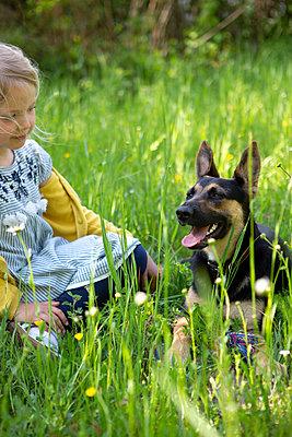 Animal-loving  - p454m2200608 by Lubitz + Dorner
