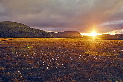Sonnenuntergang im Vatnajökull Nationalpark - p1305m1190692 von Hammerbacher