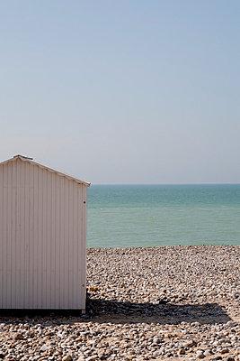 Beach hut;  France - p940m813596 by Bénédite Topuz