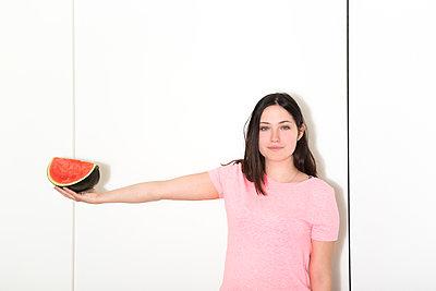 Arm's length ahead - p454m1464903 by Lubitz + Dorner
