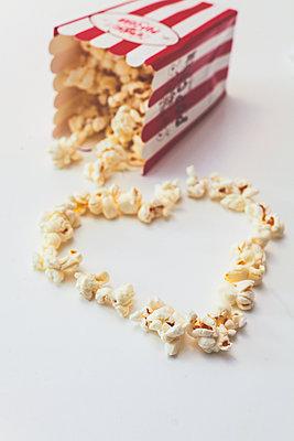 Herz aus Popcorn - p916m2031374 von the Glint