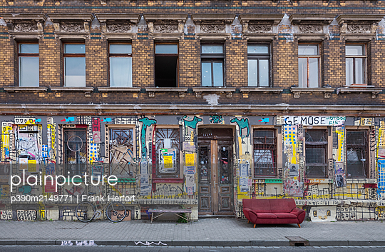 Unrestored dilapidated old building facade - p390m2149771 by Frank Herfort