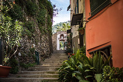 Stairs in an old street of vernazza village - p1007m1424579 by Tilby Vattard