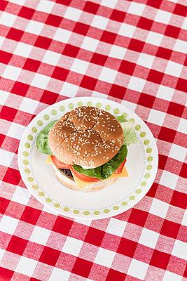Draufsicht Burger - p1094m1015333 von Patrick Strattner
