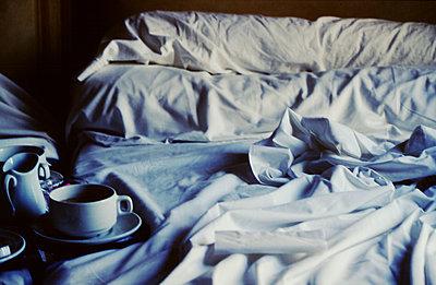 Frühstück im Bett - p1270m1114390 von Létizia Le Fur