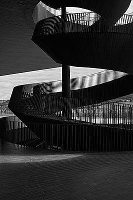 Winding staircase, Bargino, Italy - p1686m2288546 by Marius Gebhardt