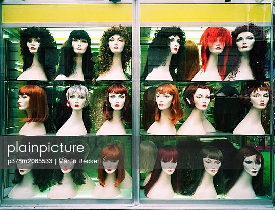 wig - p378m2085533 by Martin Beckett