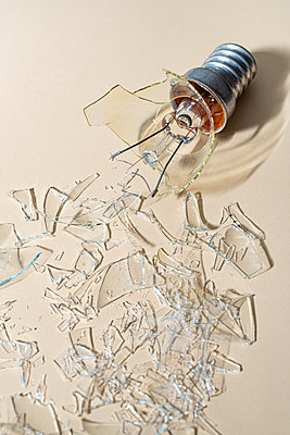 Broken light bulb - p971m2283736 by Reilika Landen