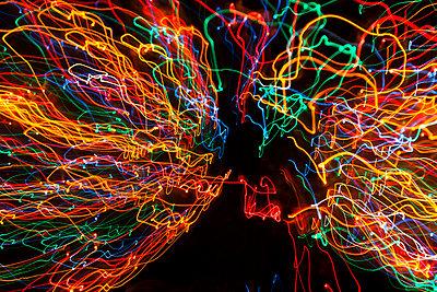 Lichtspuren - p867m1007863 von Thomas Degen