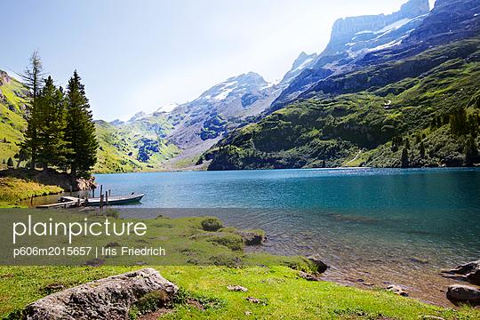 Bergsee mit Steg - p606m2015657 von Iris Friedrich