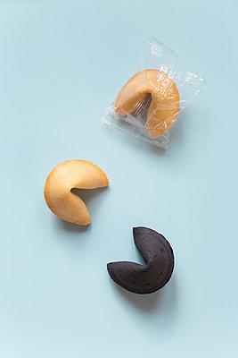 Chinese fortune cookies - p454m2224825 by Lubitz + Dorner