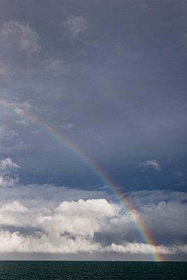 Am Ende des Regenbogens - p637m1021270 von Florian Stern