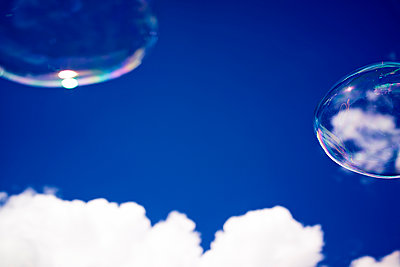 Soap bubbles - p584m960230 by ballyscanlon