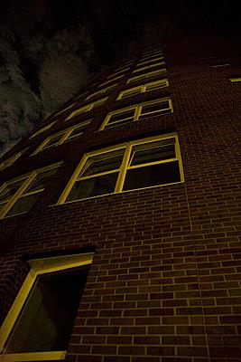 buergerhaus bei vollmond - p627m670663 by Chris Keller