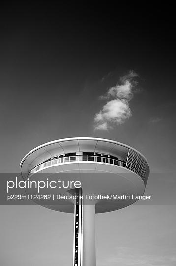 Lighthouse - p229m1124282 von Martin Langer