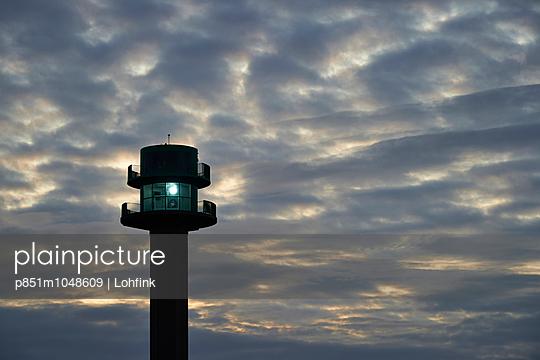 Light house - p851m1048609 by Lohfink