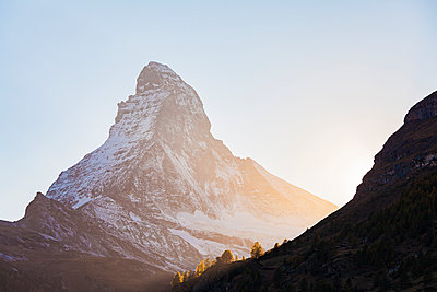 Switzerland, Valais, Zermatt, Matterhorn in the morning - p300m1549707 by Werner Dieterich