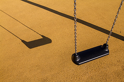 Swing - p417m1152650 by Pat Meise