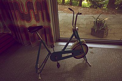 70er Jahre Hometrainer - p606m2008397 von Iris Friedrich