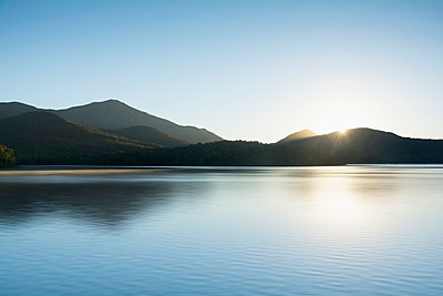 USA, New York State, St Armand, Lake Placid at sunrise - p1427m1517176 by Chris Hackett