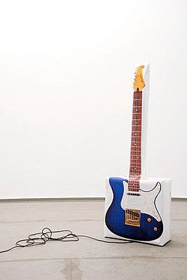 E-Gitarre Atrappe - p2370564 von Thordis Rüggeberg