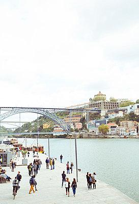 Promenade in Porto - p432m951873 by mia takahara