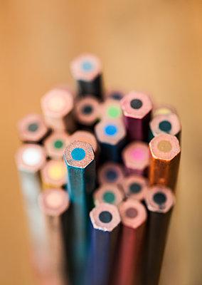 Colour pencils - p971m1463563 by Reilika Landen
