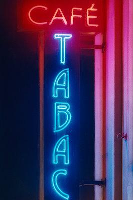 Neon sign - p1418m1571625 by Jan Håkan Dahlström