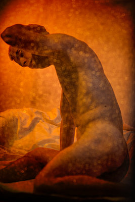 Naked Man Behind Glittery Curtain - p1248m1169577 by miguel sobreira