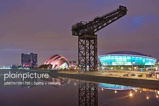 Glasgow - p587m1091795 by Spitta + Hellwig