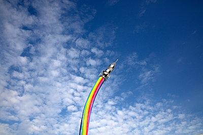Rainbow rocket in Seoul Grand Park - p226m1444526 by Sven Görlich