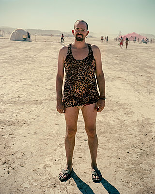 Man on the beach - p1118m1540312 by Tarik Yaici